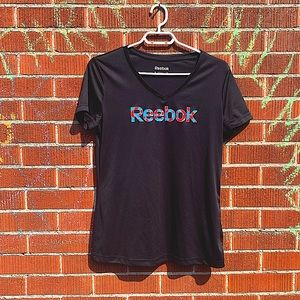 Reebok play dry workout v-neck t-shirt like new
